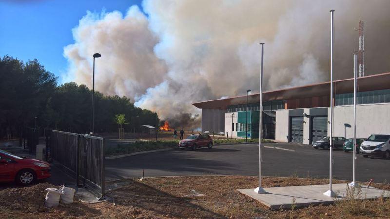 France: les incendies forcent 400 personnes à fuir dans les Bouches-du-Rhône