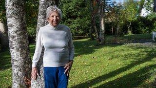A 92 ans, cette prof de yoga chaux-de-fonnière pète la forme