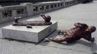 Football: la statue de Lionel Messi en Argentine de nouveau vandalisée