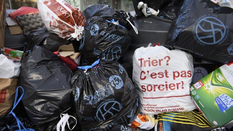 La taxe au sac a été introduite partout en Suisse, sauf dans le canton de Genève