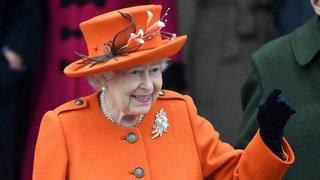 Dessous de la reine dévoilés: fabricant de soutiens-gorge viré!