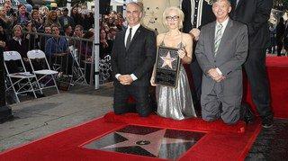 "Gillian Anderson, alias Dana Scully dans ""X-Files"", décroche son étoile sur Hollywood Boulevard"