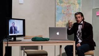 Le comédien neuchâtelois Raphaël Tschudi présente un glissement dans la folie 2.0