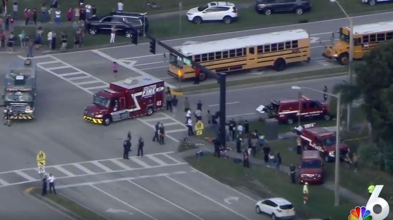 Etats-Unis: une fusillade dans une école fait 17 morts en Floride