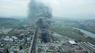 Des images aériennes d'un incendie à Rothrist (AG)