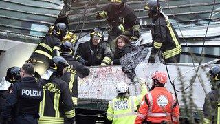 Un train déraille près de Milan: plusieurs morts