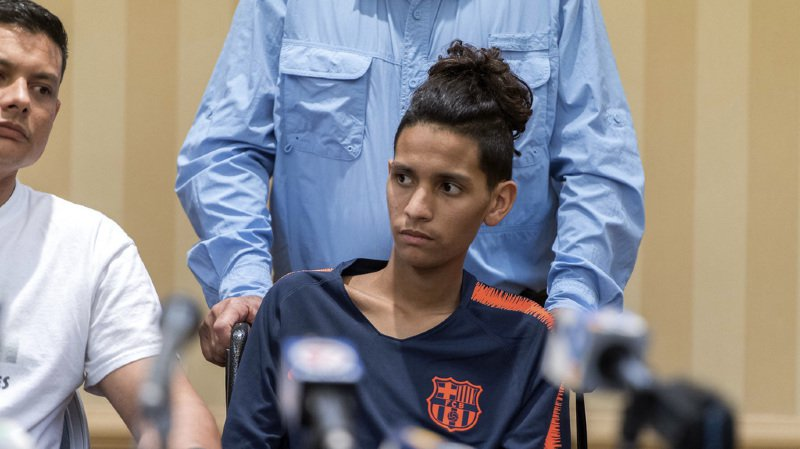 Etats-Unis: survivant de la fusillade de Floride, un lycéen refuse l'étiquette de héros