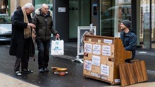 Pour se payer un piano à 89'000 francs, il joue dans les rues de Neuchâtel