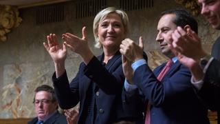 Le FN fait un premier test d'alliance des droites