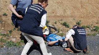Emotion après le décès  de Goolaerts à Paris-Roubaix