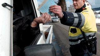 La Chaux-de-Fonds: il roule sans permis, son véhicule est saisi