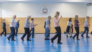 Seniors: pour prévenir les chutes, l'exercice physique est plus efficace que la vitamine D