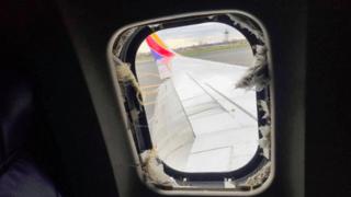 Etats-Unis: un moteur d'avion explose en plein vol, brise un hublot et tue une passagère