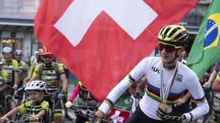 Accueil triomphal pour Alexandre Balmer à La Chaux-de-Fonds