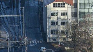"""Tribunal: quand un """"stop"""" absent à Fleurier est désigné coupable"""