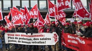 Des maçons de l'Arc jurassien ont manifesté leur mécontentement à La Chaux-de-Fonds
