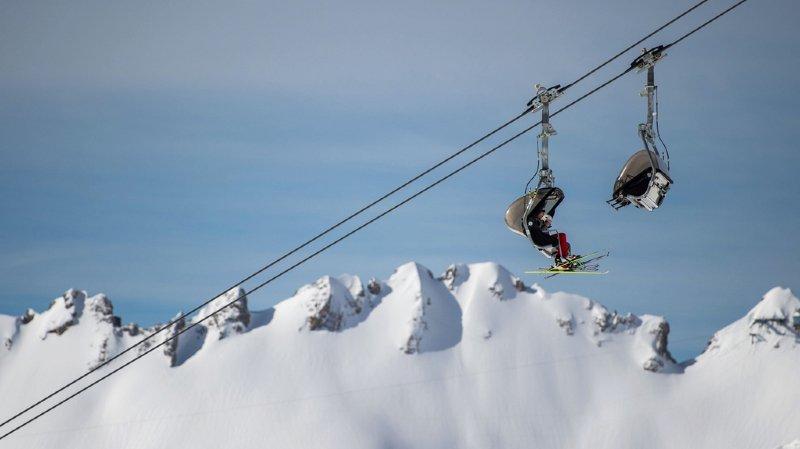 Autriche: un enfant tombe d'un télésiège 7 mètres plus bas dans la station de Bödele
