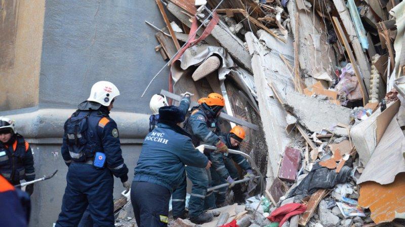 Explosion meurtrière dans un immeuble en Russie: le bilan grimpe à 39 morts