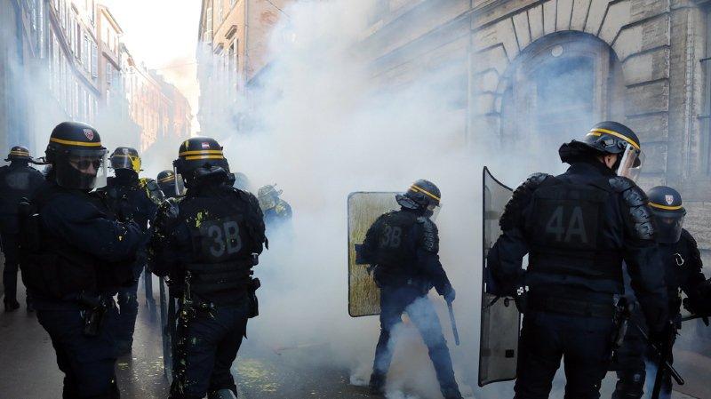 """France - """"Gilets jaunes"""": le gouvernement annonce une nouvelle loi anticasseurs"""