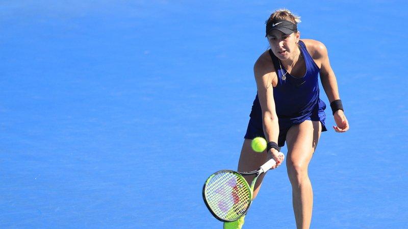 Belinda Bencic en action durant sa demi-finale perdue contre la Slovaque Anna Karolina Schmiedlova au Tournoi de Hobart.