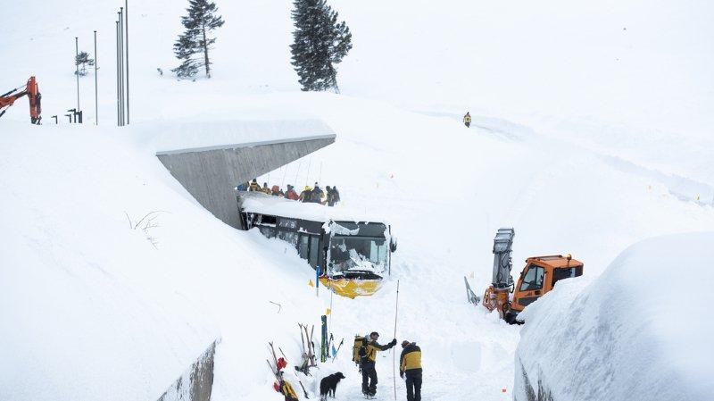 """Schwägalp (AR): aucun disparu après l'avalanche """"imprévisible"""" du Säntis"""
