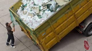 Qui devra ramasser les poubelles des grandes entreprises neuchâteloises?