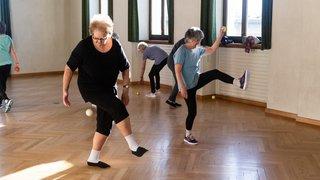 Les cours de gym donnent la pêche aux seniors du Val-de-Ruz