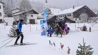 Neuchâtel Ski de Fond a offert thé et gâteau au Cerneux-Péquignot