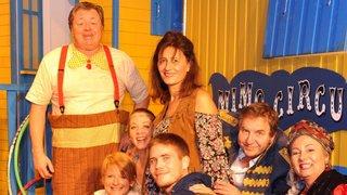 Pour ses 75 ans, la troupe locloise Comoedia fait son cirque