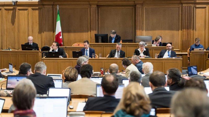 Les conseillers communaux ne devraient plus pouvoir siéger au Grand Conseil neuchâtelois