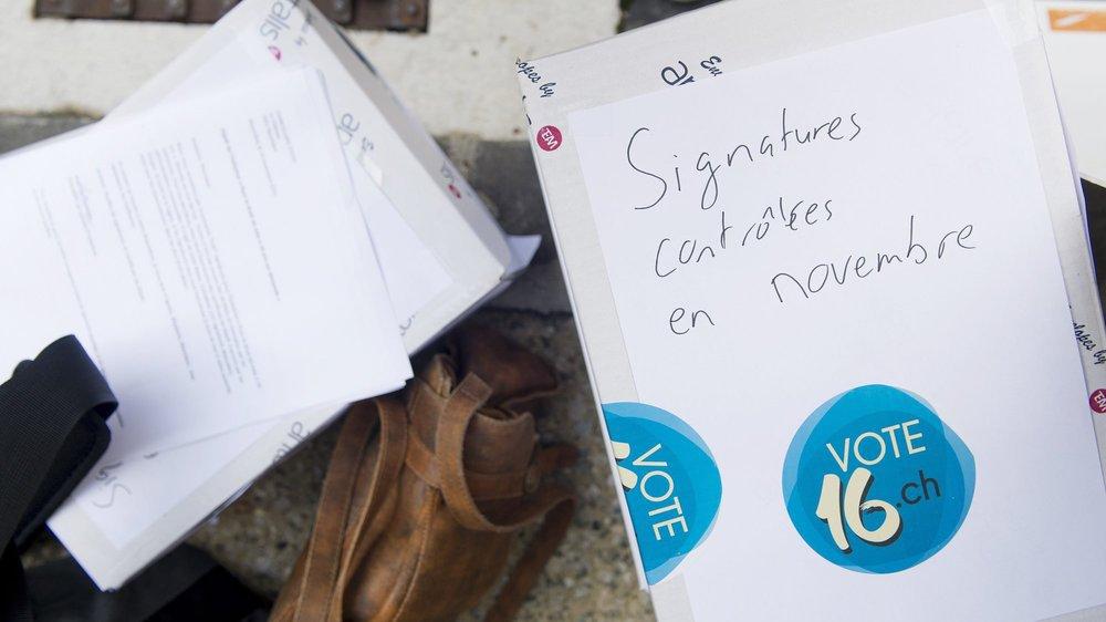 L'initiative pour le vote à 16 ans sur demande a été déposée en novembre 2016.