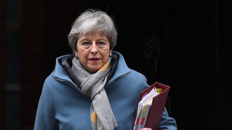 Theresa May annonce avoir réclamé à l'UE un report du Brexit jusqu'au 30 juin