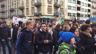 Climat: environ 10'000 jeunes à nouveau dans les rues de Lausanne