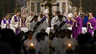 Chili: des accusations de pédophilie éclaboussent de nouvel archevêque de Santiago