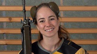 Une jeune tireuse du Val-de-Ruz, image de la campagne cantonale contre la nouvelle loi sur les armes