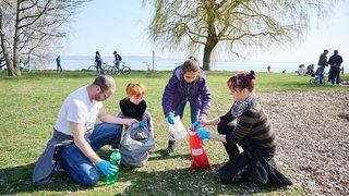 Neuchâtel: le nettoyage des Jeunes-Rives mobilise 200 personnes