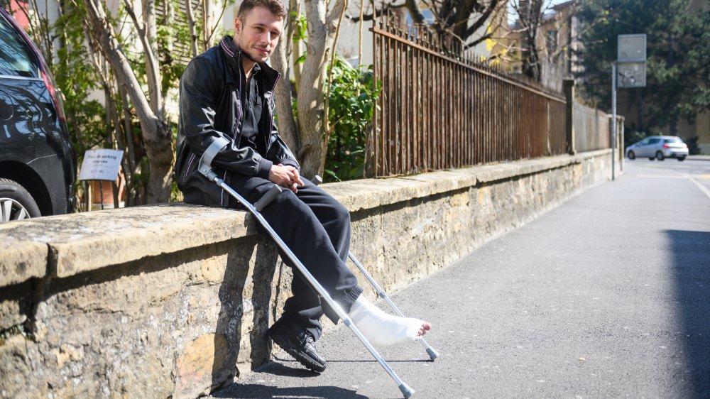 Victime d'un accident de la route en Thaïlande, Billy Payot a dû se débrouiller pour rentrer en Suisse après une opération de la jambe.