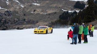 La Ferrari du Neuchâtelois Christophe Hurni roule sur les pistes de Verbier