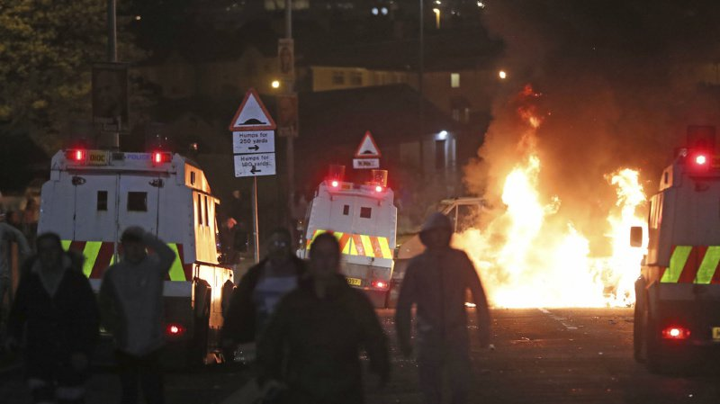 Irlande du Nord: une femme tuée à Londonderry, la police parle d'un incident terroriste