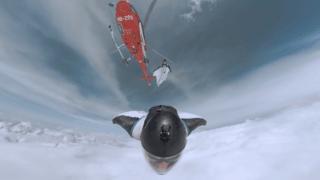 Le vol de wingsuit hallucinant de Brendan Weinstein dans les Alpes valaisannes