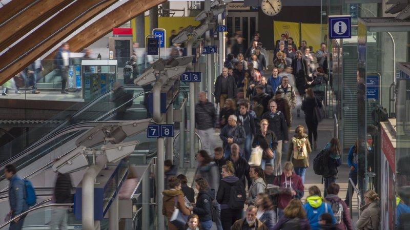 """Transports publics: la validité de l'abo des jeunes, """"Seven 25"""", ex- """"Voie 7"""", ne sera pas étendue"""