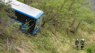 Valais: bus scolaire «poussé» dans un ravin par un camion