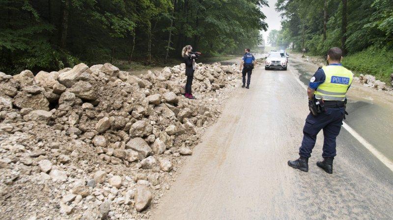 Les travaux de réfection de la route cantonale reliant Villiers au Pâquier devraient durer jusqu'à fin novembre.