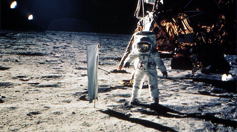 50 ans d'Apollo 11: un drapeau «suisse» planté sur la Lune avant l'étendard américain
