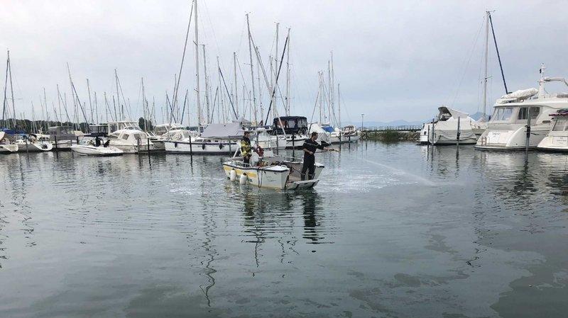 Un problème technique d'un bateau pourrait être à l'origine de la pollution.
