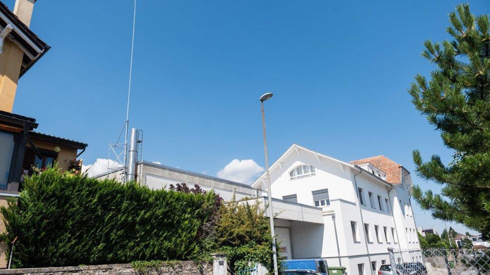 Les gabarits d'une nouvelle antenne 5G de téléphonie mobile mise à l'enquête à Cormondrèche.