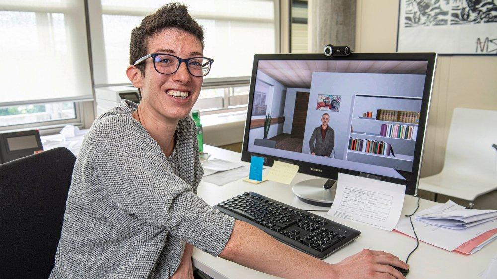 Diplômée de l'Uni de Lausanne, Giulia Svanascini teste, pour la première fois, un entretien d'embauche avec un recruteur virtuel.