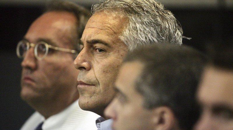 Affaire Epstein: le financier américain a eu les os du cou brisés