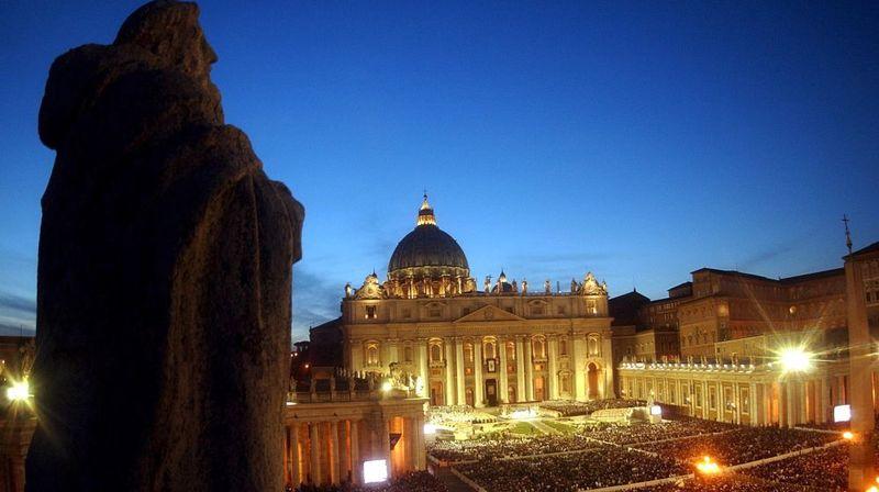 Bien que chrétienne et fidèle à la Rome catholique, l'Europe médiévale n'était pas homogène du point de vue religieux et culturel.