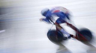 Cyclisme: une latte de la piste transperce un coureur après sa chute